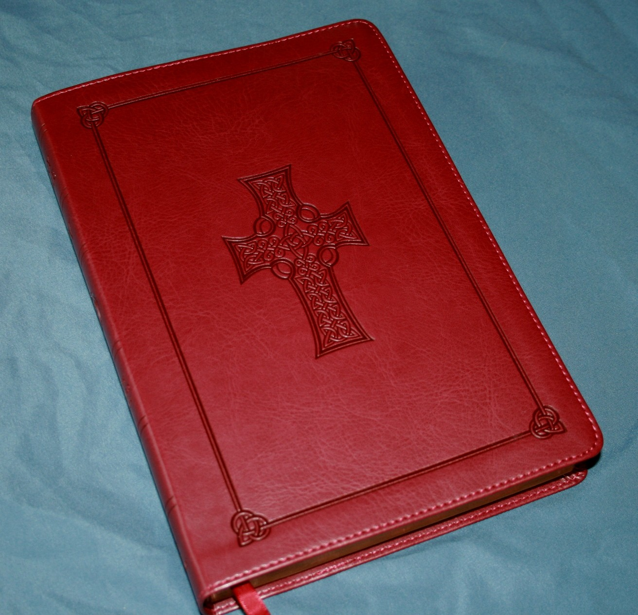 Crossway ESV Large Print Thinline Reference Bible 002
