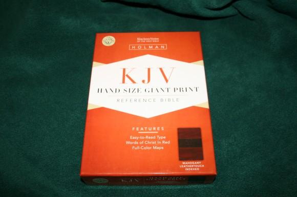 Holman Hand Size Giant Print Reference Bible KJV 056