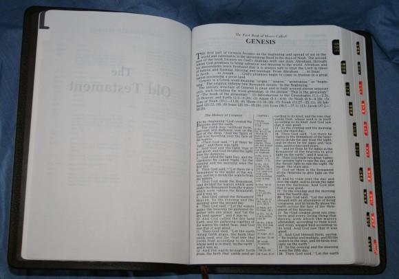 Holman NKJV Large Print Ultrathin Bible 011