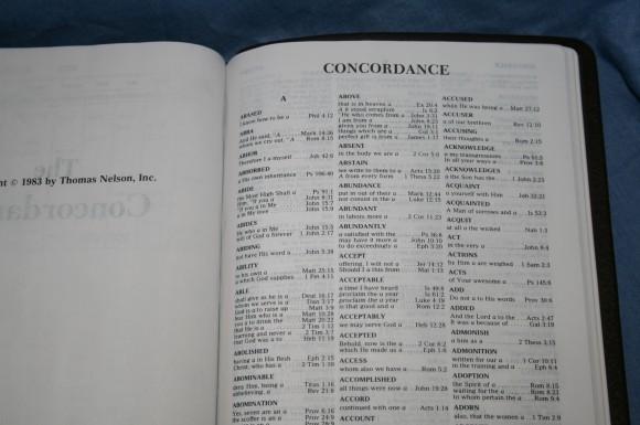 Holman NKJV Large Print Ultrathin Bible 020