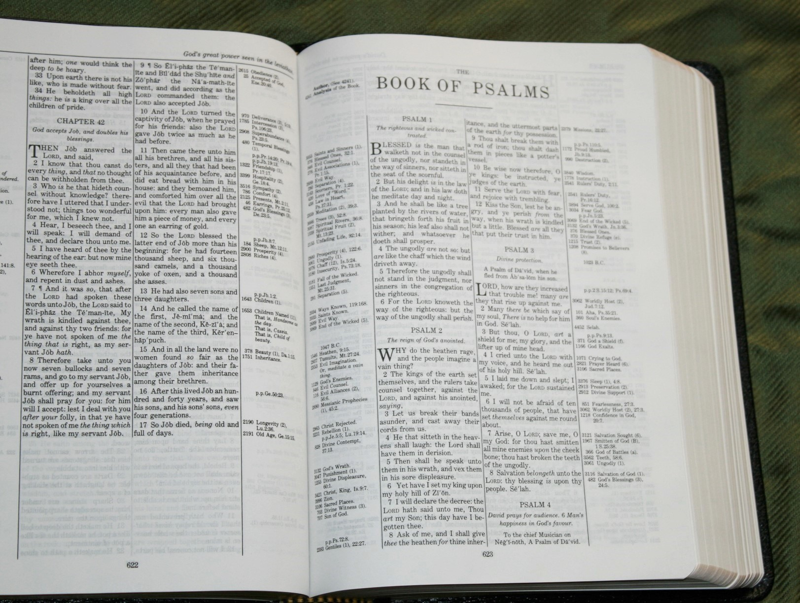 Handy Size Thompson Chain Reference Bible KJV (120)