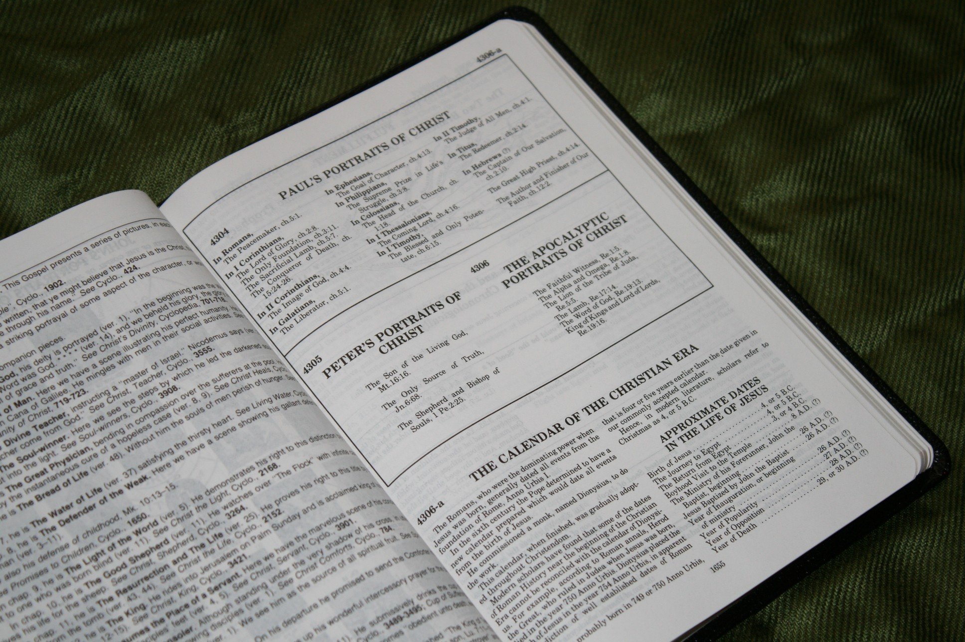 Handy Size Thompson Chain Reference Bible KJV (185)