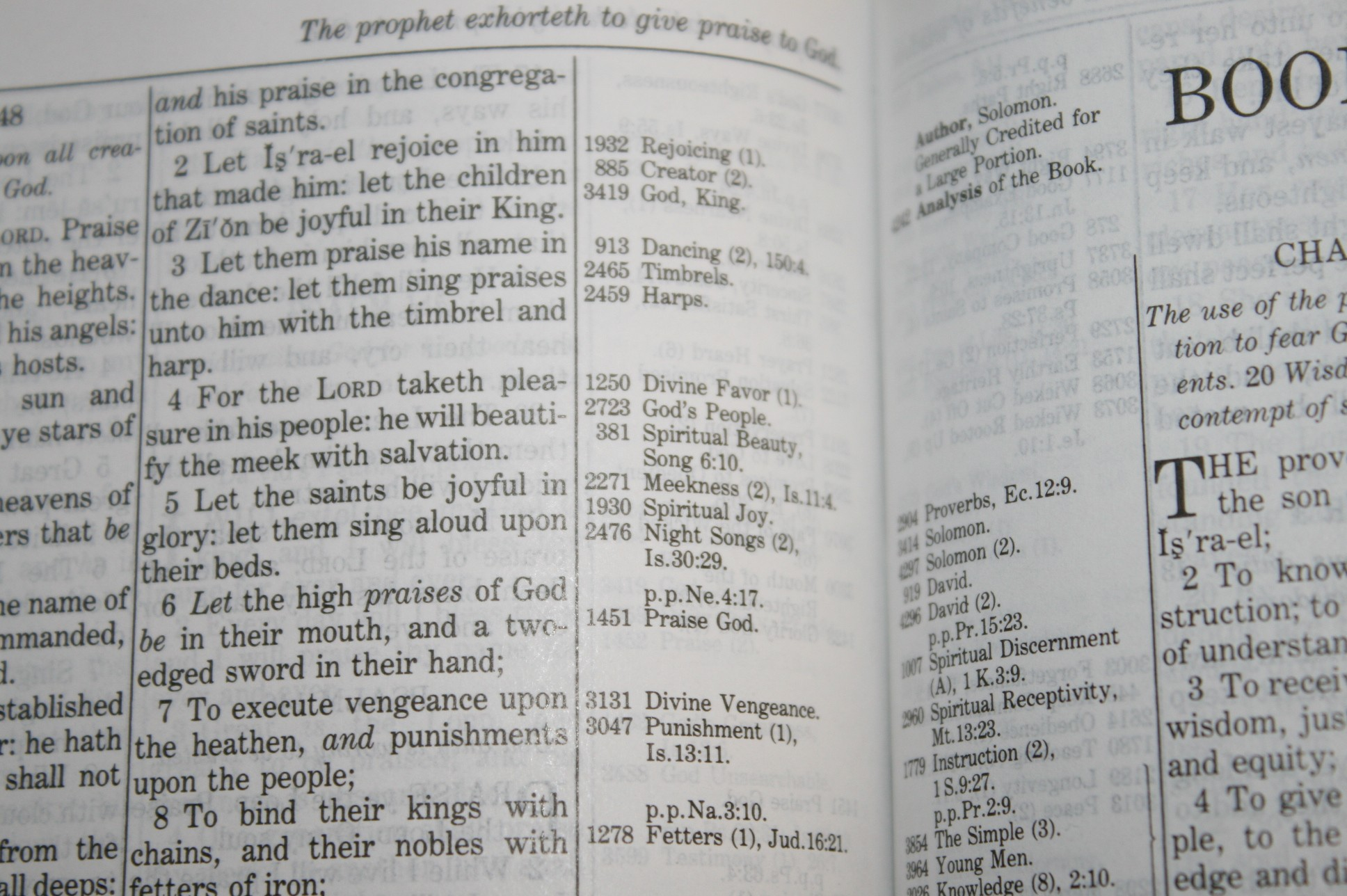 Handy Size Thompson Chain Reference Bible KJV (90)