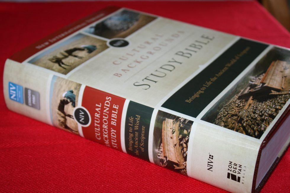 NIV Cultural Backgrounds Study Bible  (3)