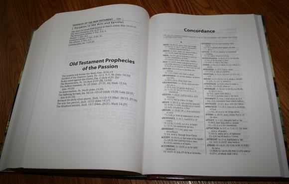 Hendrickson Large Print Wide Margin Bible KJV 014