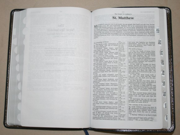 Zondervan King James Reference Bible Center-Column with Thumb In 014