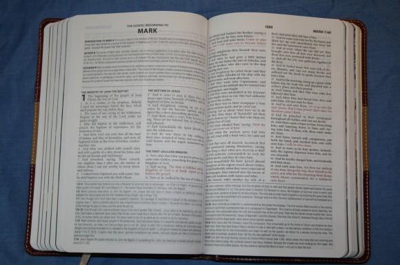 The KJV Study Bible Barbour Publishing 005