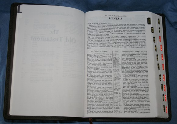 Holman NKJV Large Print Ultrathin Bible 011