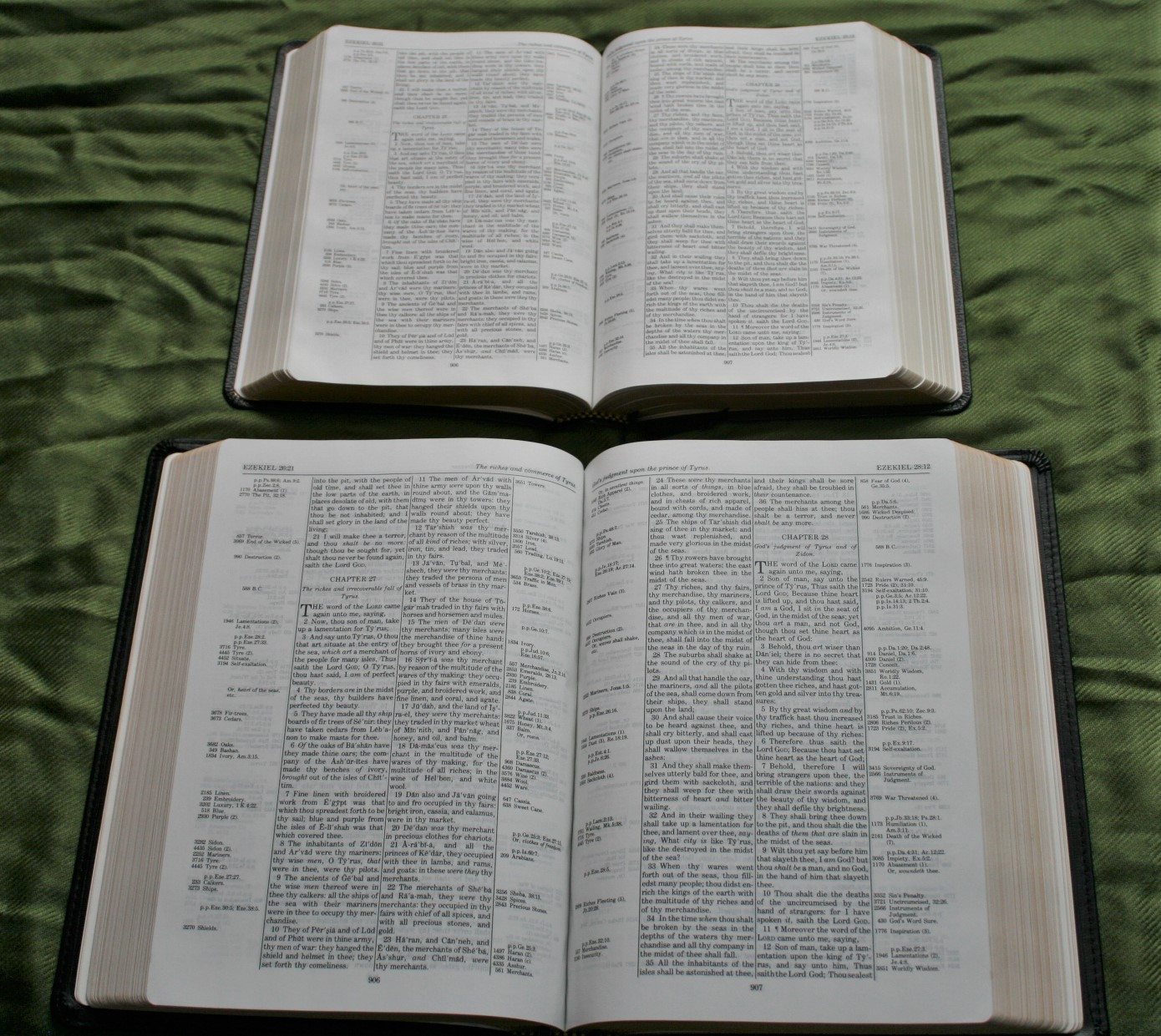 Handy Size Thompson Chain Reference Bible KJV (14)