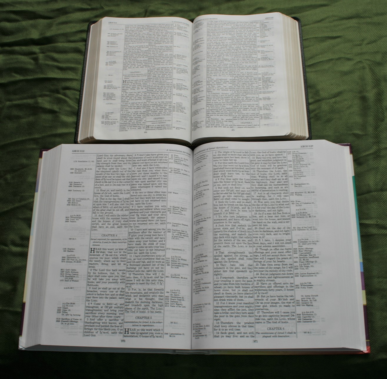Handy Size Thompson Chain Reference Bible KJV (31)