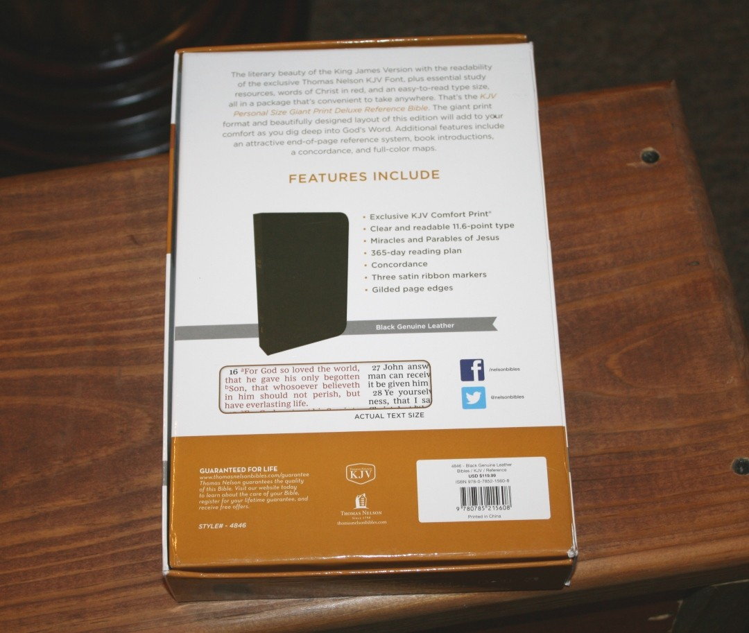 Thomas Nelson KJV Personal Size Giant Print Deluxe Reference Bible Review -  Bible Buying Guide