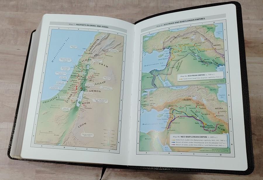 Personal Size NIV Life Application Study Bible Maps
