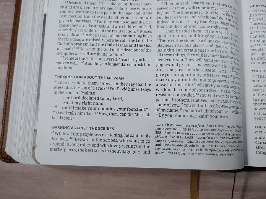 CSB Holy Land Illustrated Bible Footnotes