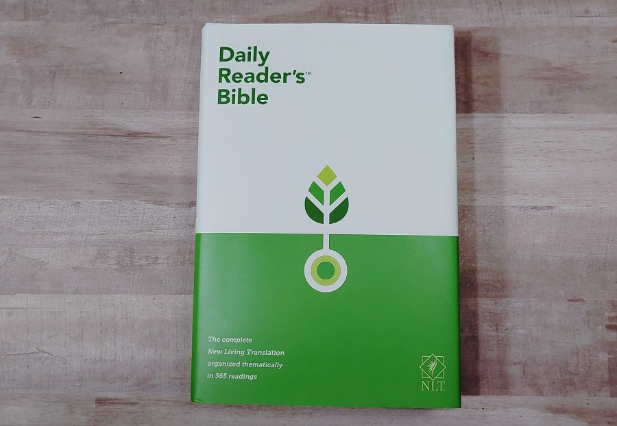 NLT Daily Reader's Bible cover